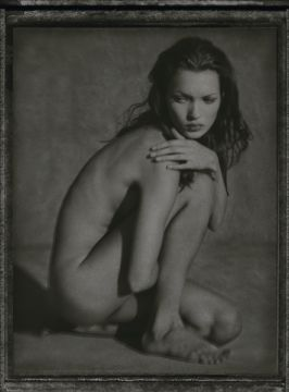 Albert WATSON (*1942, Scotland): Kate Moss, Marrakech – Christophe Guye Galerie