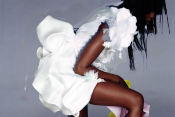 Nick KNIGHT (*1958, Great Britain): Naomi Campbell in Christian Lacroix – Christophe Guye Galerie